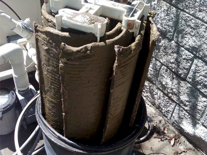 Dirty clogged pool filter